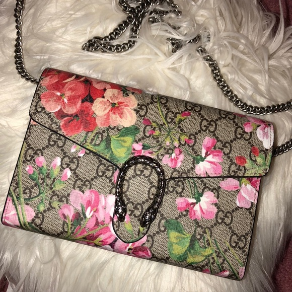 Gucci Handbags - authentic gucci blooms dionysus mini chain bag f39fcdffdae6a